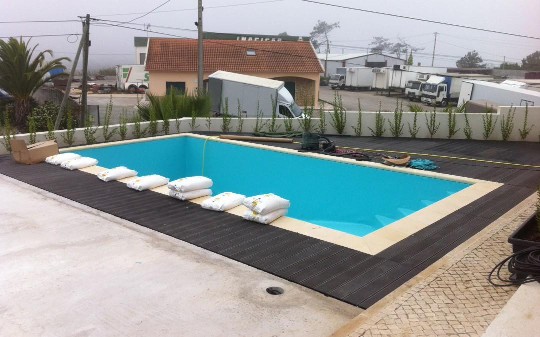 Decks piscinas water blue for Crystal water piscinas